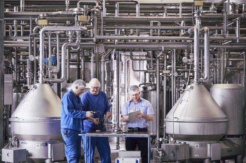 Die Ergebnisse der Kalibrierung werden dokumentiert. Die Zertifikate liefern den Milchwerken einen durchgängigen Nachweis und stellen die Basis des Energieberichts dar. Bild: Endress+Hauser