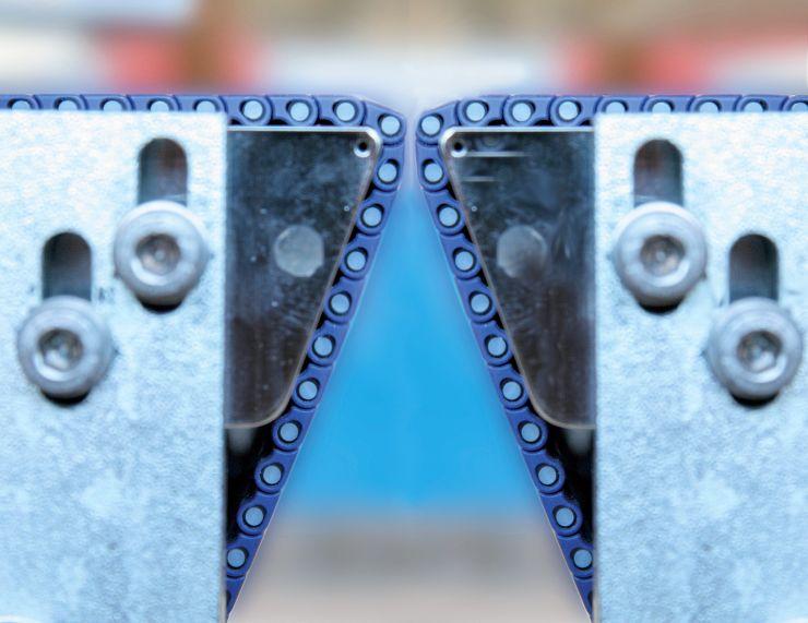 Das neue »Super Hyclean«-Konzept ermöglicht eine verbesserte und effizientere Reinigung. In der Bandmitte sind 100 Prozent der Ober- und Unterseite frei zugänglich. Bild: Habasit