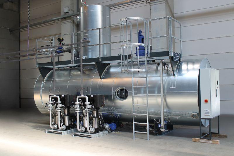 Speisewasserbehälter mit 20.000 Litern Inhalt nach der Fertigstellung und noch vor dem Transport.