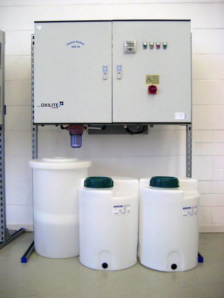 Die Anlage zur Produktion des Desinfektionsmittels nutzt wartungsarme Schlauchpumpen. Bilder: Inno Waterclean
