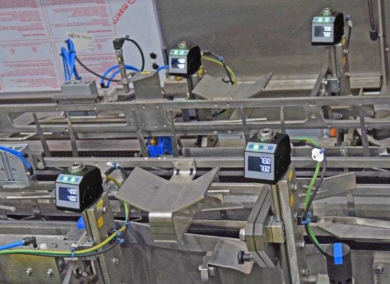 Bis zu 40 Verstellpunkte werden bei Formatwechseln mithilfe elektronischer Positionsanzeigen bequem und prozesssicher angepasst.