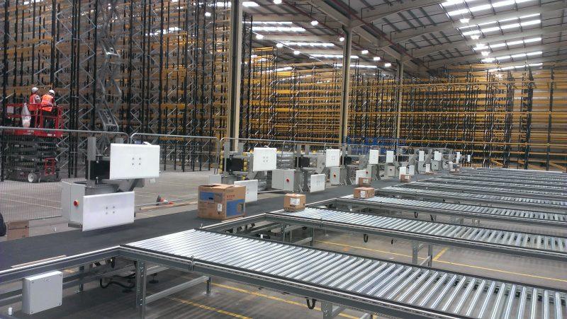 Ein Beispiel für die Erhöhung der Durchsatzleistung bei zunehmend automatisierten Distributionsbetrieben.