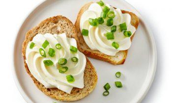 Mit pflanzenbasierten Alternativen zu Frischkäse können Hersteller ihre Auswahl erweitern (Bild: Planteneers).