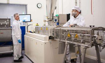 Der Food-Extruder von Coperion bietet hohe Flexibilität für umfangreiche Produktversuche, z. B. mit Fleischersatz (Bild: Foodwest).