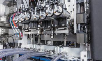 Die torsionale Schweißtechnologie hat sich als schnelle, effektive und ökologische Siegeltechnik auch bei eher schwierig zu fügenden Öko-Materialien bewährt, wie beispielsweise PLA (Polymilchstoffe), PHA (Polyhydroxyalkanoate) oder PBAT (Polybutylenadipat-Terephthalat; Bild: Telsonic).